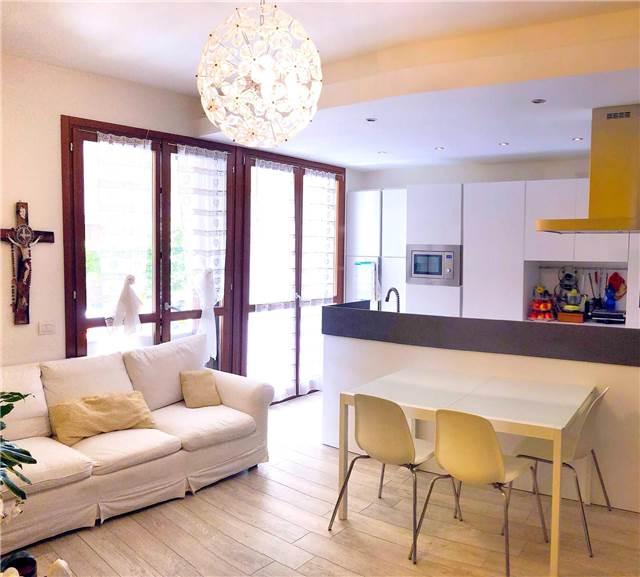 Assago – Appartamento con Giardino e Taverna